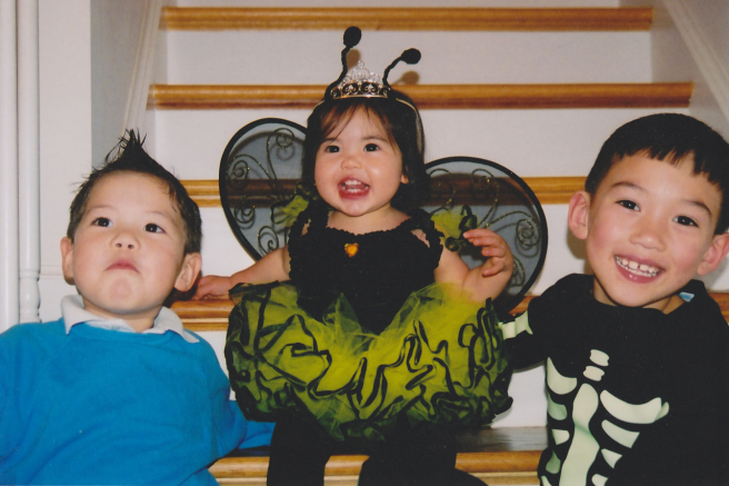 Tintin, Queen Bee, and Skeleton